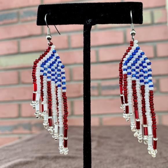 Lot Of 3 Black /& White Seed Beaded Handmade Pierced Dangle Earrings Silver Tone